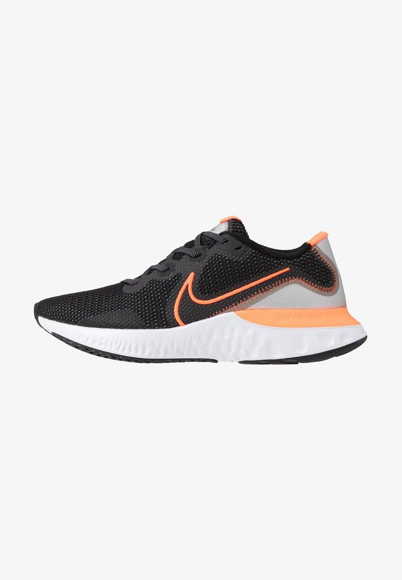 Nike Performance - RENEW RUN - Obuwie do biegania treningowe - black/total orange/particle grey/mystic dates/white/chrome