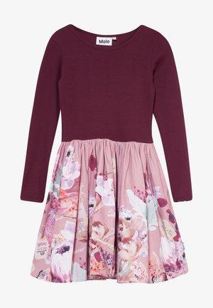 CASIE - Korte jurk - greetings