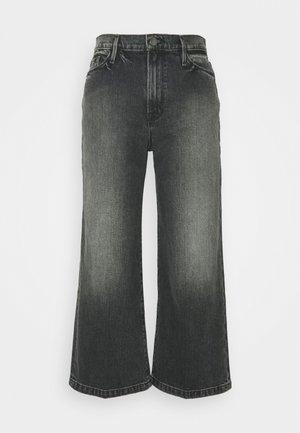ALI WIDE CROP - Flared jeans - silverwood
