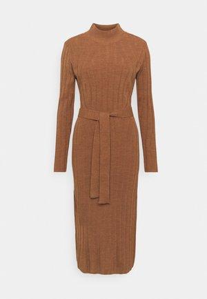 ONLNEW TESSA O NECK DRESS - Strikket kjole - argan oil