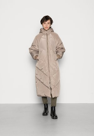 PCFELICITY LONG PUFFER JACKET - Winter coat - silver mink