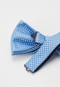 Jack & Jones - JACSANTANDER BOW TIE - Bow tie - cashmere blue/white - 3