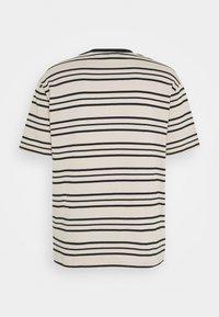 Sweet SKTBS - UNISEX SWEET LOOSE STRIPED TEE - Camiseta estampada - ecru/black - 7