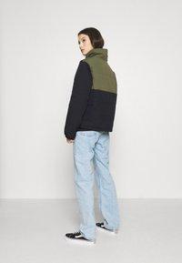 Vans - SUPPLY PUFF - Light jacket - grape leaf - 2