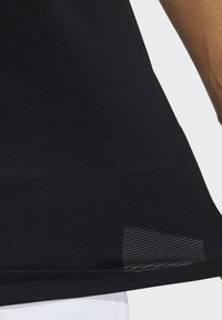 adidas Performance - AERO3S DESIGNED4TRAINING AEROREADY PRIMEBLUE SPORTS T-SHIRT - Funktionstrøjer - black - 5