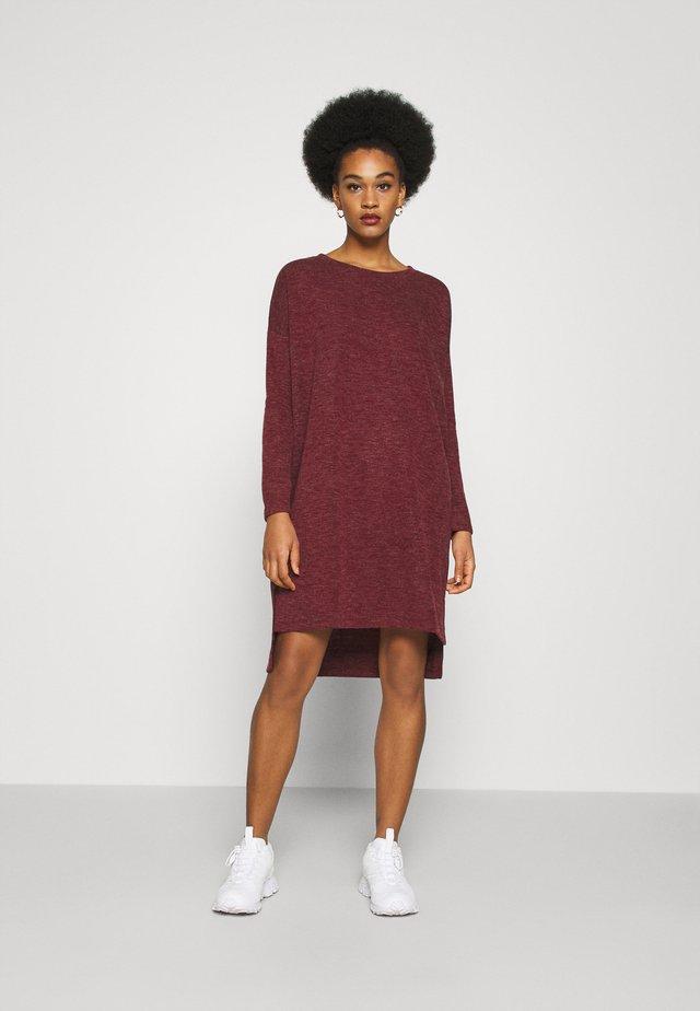VMAMAIMARCO O NECK DRESS - Vestido de punto - cabernet melange