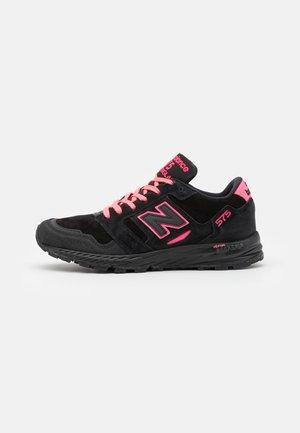 MTL575  - Sneakersy niskie - black/pink