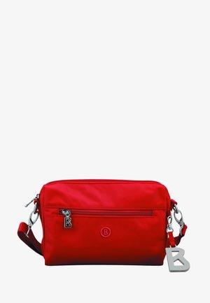 VERBIER PUKIE  - Across body bag - red