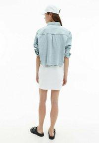Calvin Klein Jeans - Button-down blouse - denim light - 2