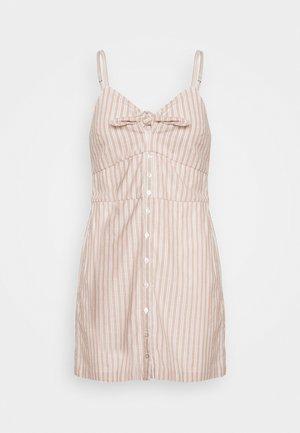 BARE BUTTON THRU MINI - Denní šaty - tan/white