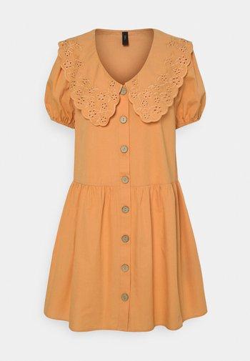 YASSOFFE DRESS  - Shirt dress - sandstone