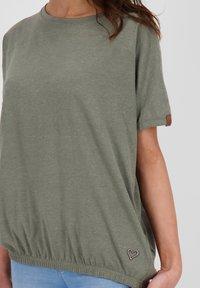 alife & kickin - Basic T-shirt - dust - 4