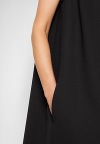 Victoria Victoria Beckham - SLEEVELESS MINI SHIFT DRESS - Sukienka koktajlowa - black - 7