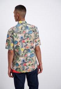 Junk De Luxe - Overhemd - light khaki - 1