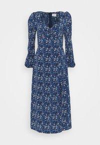 Glamorous Tall - LADIES DRESS FLORAL - Denní šaty - navy blue/orange - 0