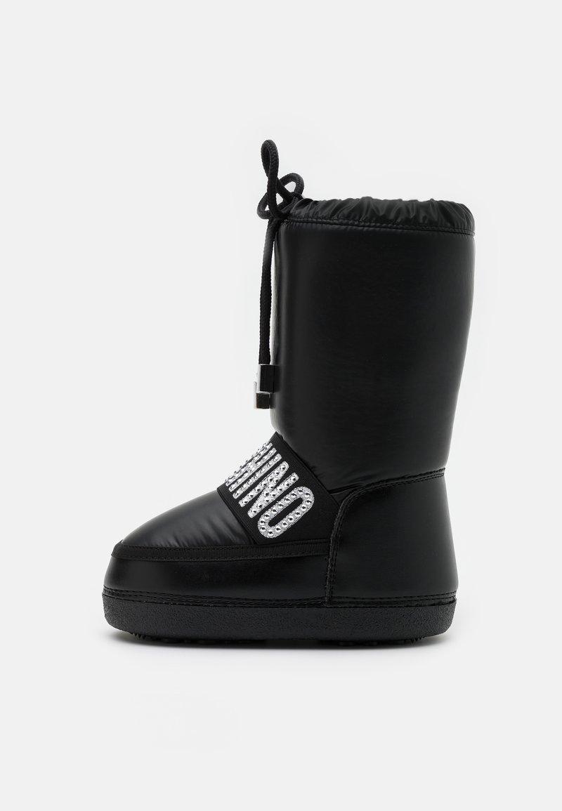 MOSCHINO - Zimní obuv - black