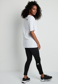 The North Face - SIMPLE DOME - Basic T-shirt - white - 2