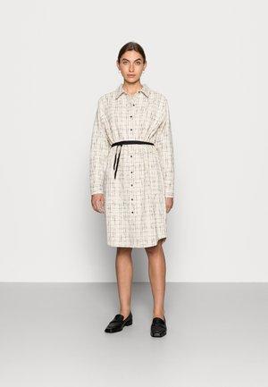 CAPERCI DRESS - Košilové šaty - off-white/black