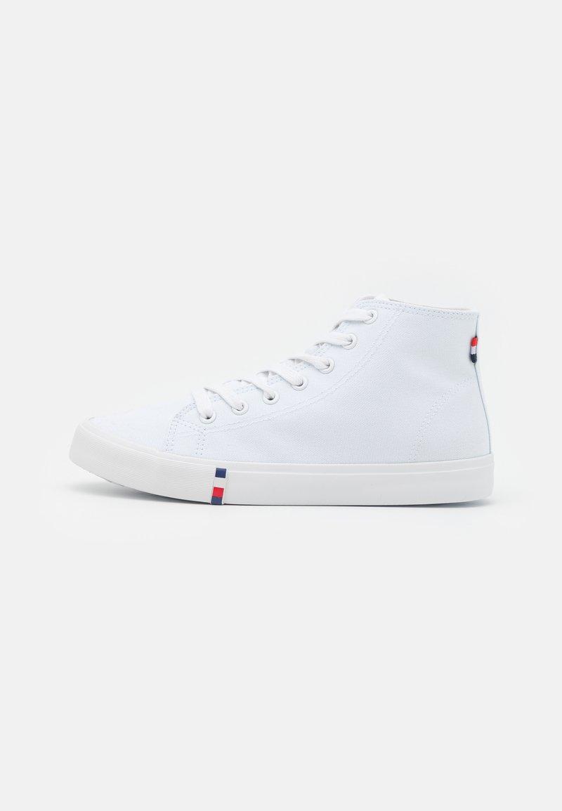 Pier One - UNISEX - Zapatillas altas - white