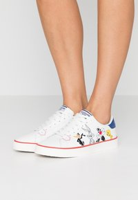 MOA - Master of Arts - Zapatillas - white - 0