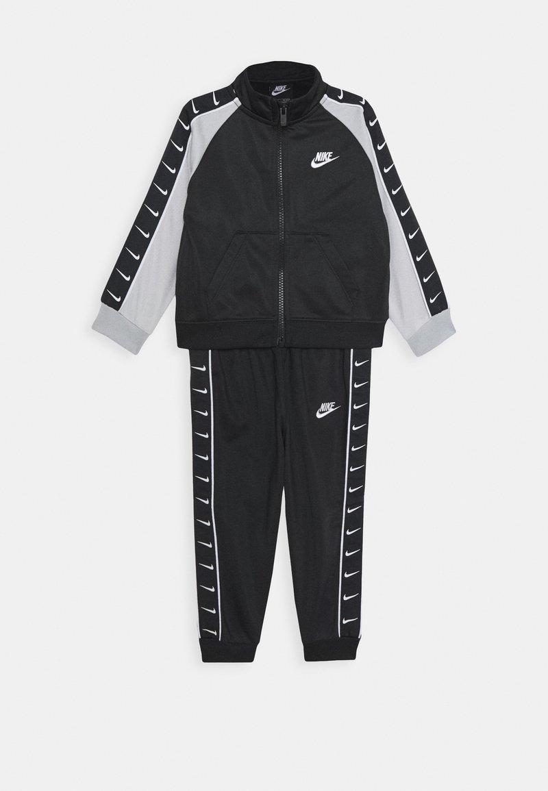 Nike Sportswear - TRICOT TAPING SET - Tepláková souprava - black
