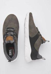 British Knights - SNEAKER EAGLE - Sneakers - dk grey/black - 1