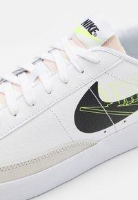 Nike Sportswear - BLAZER UNISEX - Sneakers - white/black/volt/summit white - 5