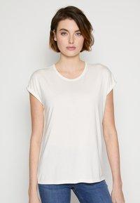 TOM TAILOR DENIM - Basic T-shirt - gardenia white - 0