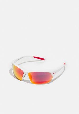 SKYLON ACE UNISEX - Sluneční brýle - white/grey/red