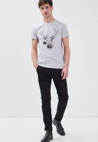 BONOBO Jeans - UMWELTFREUNDLICHE - Chinos - black - 1