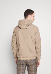 Jack & Jones - JCOSPRING LIGHT JACKET - Giacca leggera - dune - 2