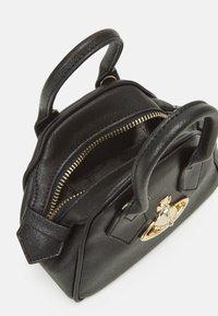 Vivienne Westwood - VICTORIA MINI YASMINE - Handbag - black - 2