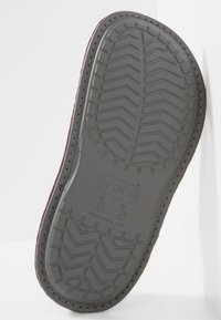 Crocs - Slippers - burgundy/charcoal - 4