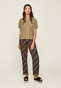 Pepe Jeans - COCO - Button-down blouse - thyme - 1