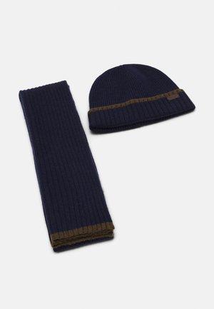 CROMER BEANIE SCARF GIFT UNISEX SET  - Scarf - navy