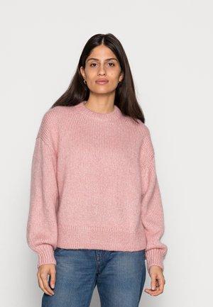 Strikkegenser - pink