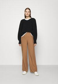 ARKET - SWEATER - Stickad tröja - black - 1