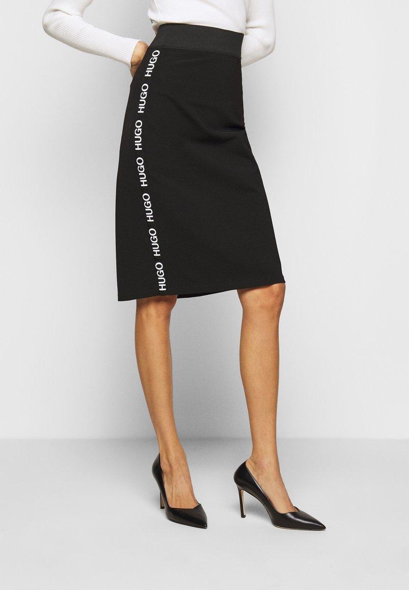 HUGO - NEEMA - Pouzdrová sukně - black