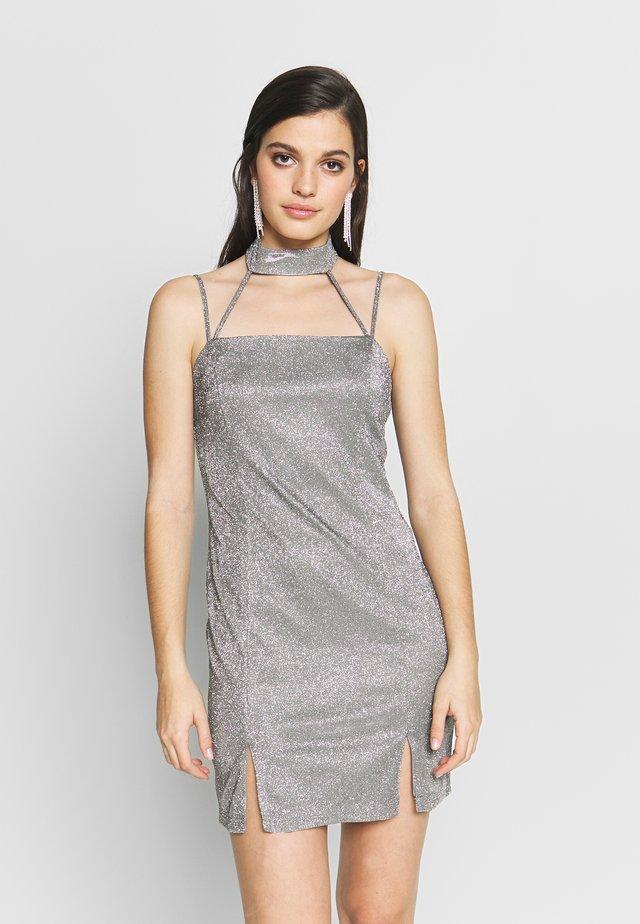 HAYDEN WILLIAMS GLITTER CHOKER STRAPPY BODYCON MINI DRESS - Vestido ligero - silver