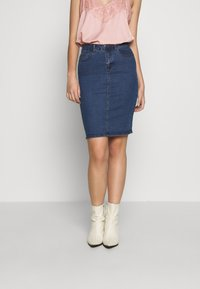 Vero Moda Tall - VMHOT NINE SKIRT TALL 2PACK - Jeansskjørt - medium blue denim/black - 3