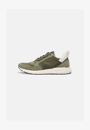JOSEF 1D - Sneakersy niskie - khaki