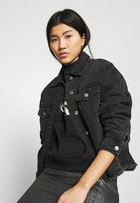 Calvin Klein Jeans - MONOGRAM  - Sweatshirt - black - 3