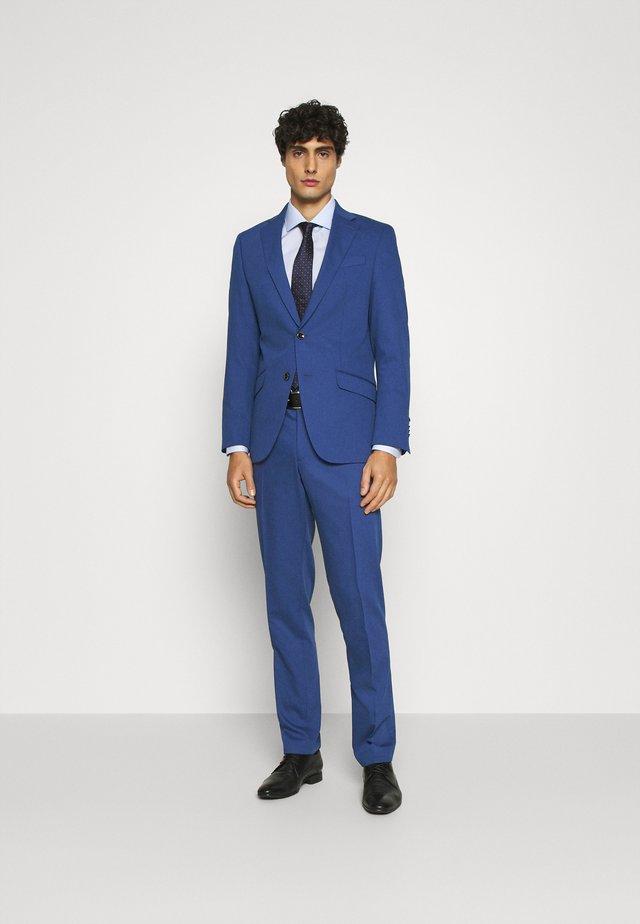 Completo - light blue