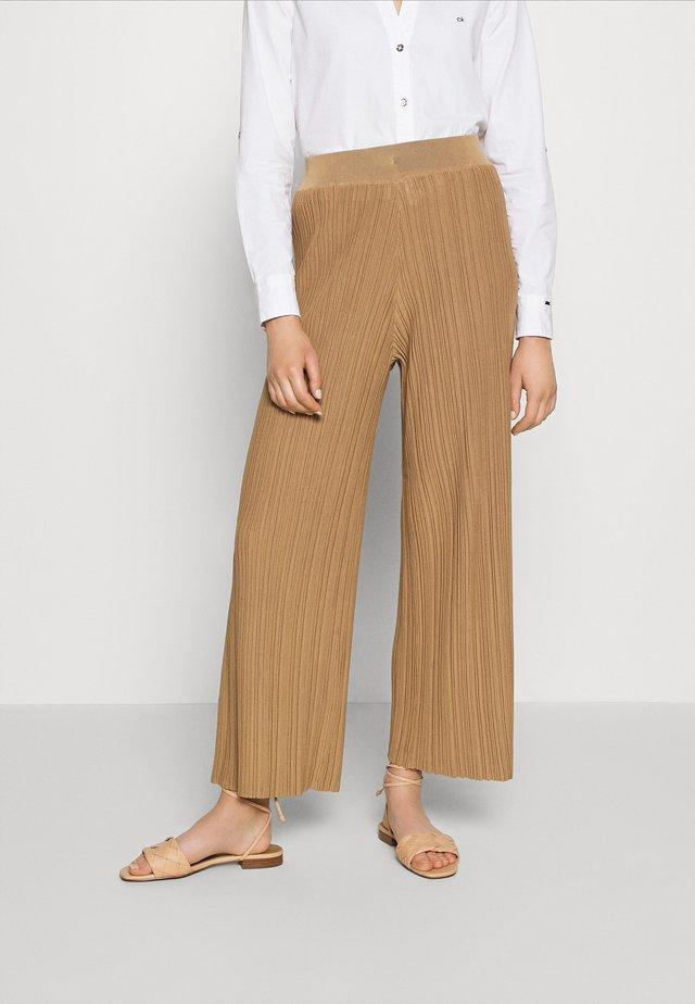SLFTIGGA ANKLE PANT - Pantalones - tigers eye