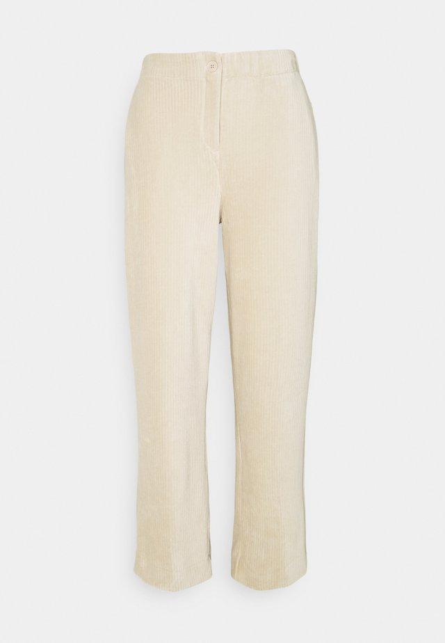 MELIKA - Pantaloni - macadamia