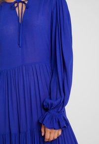 Selected Femme Petite - SLFWILLOW DRESS - Maxiklänning - clematis blue - 6
