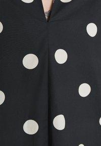 EDITED - THANYA DRESS - Day dress - bold dot/black - 5