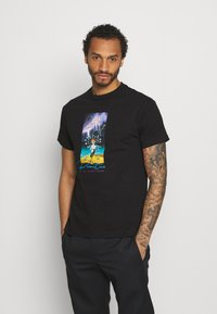 Primitive - SYSTEMS TEE - Print T-shirt - black - 2