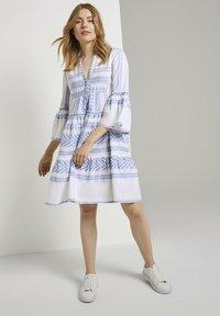TOM TAILOR - MIT VOLANTS - Day dress - white blue large ikat design - 1