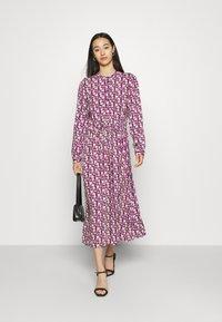 Moves - TANISA DRESS - Kjole - fuchsia purple - 1